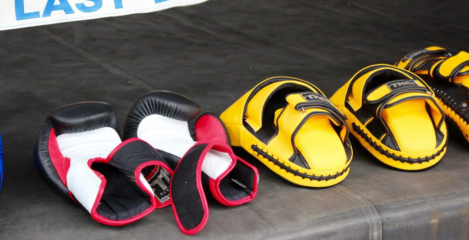 Bokshandschoenen en pads